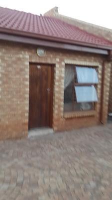 Property For Sale in Vosloorus, Vosloorus
