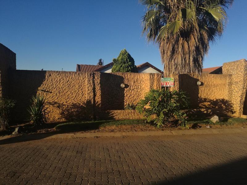 Property For Sale in Buhle Park, Germiston 4
