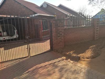 Property For Sale in Dawn Park, Boksburg