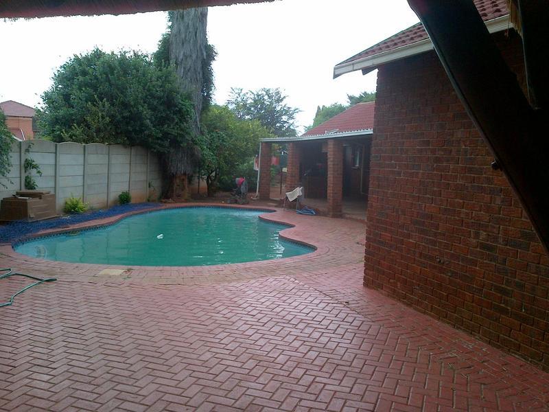 Property For Sale in Dawn Park, Boksburg 2